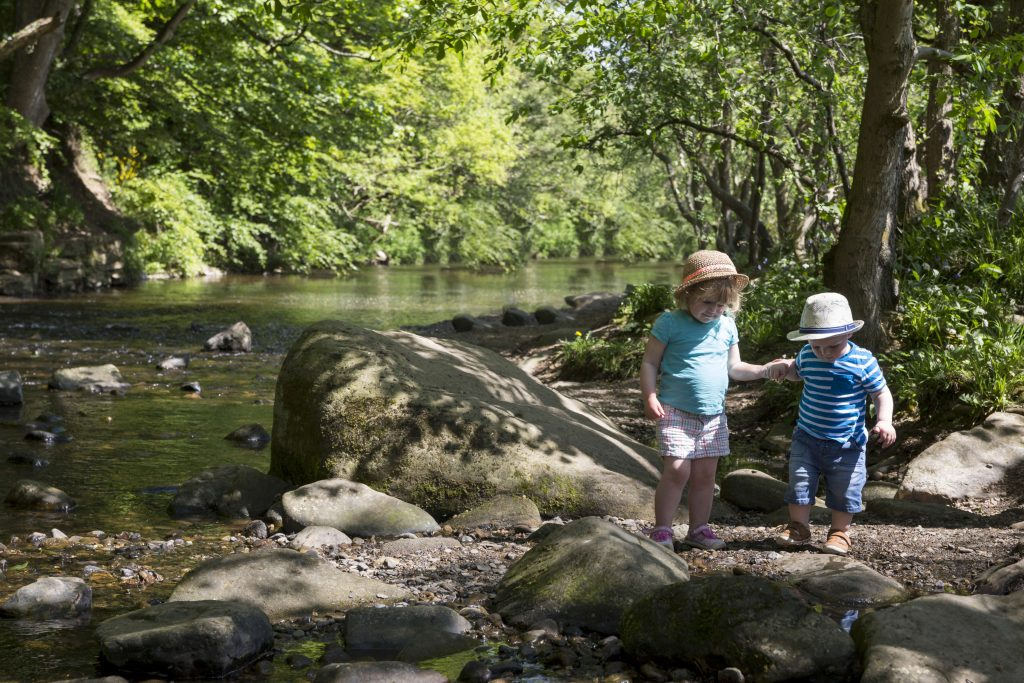 Play-in-the-river-at-Allensford