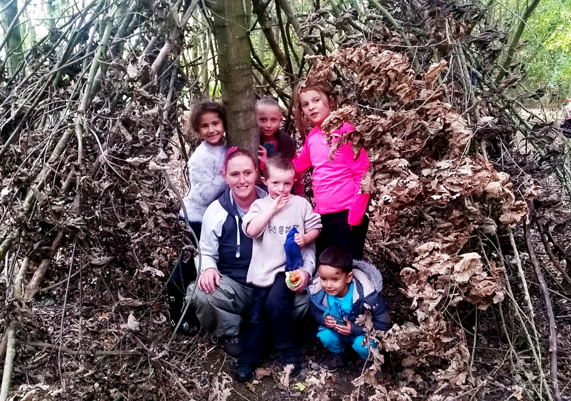 Come and play outdoors at our wild family sessions this autumn in Luton!