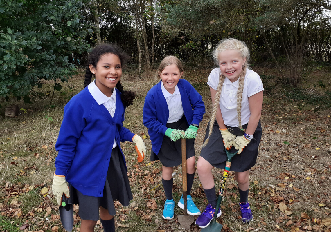 40,000 bulbs planted! Thanks to Welwyn Garden City schools for joining the celebrations